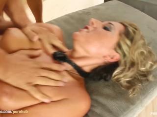 Busty big boobs Daria doing hardcore at PrimeCups