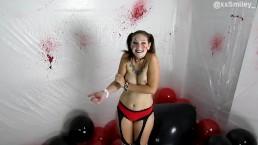 Harley Quinn pops balloons w/ xxSmiley