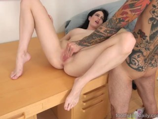Alex Harper Loves Her Sexy Toes Covered in Jizz