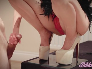 Stunning Babess make him cum on her brand new heels and play with his sperm