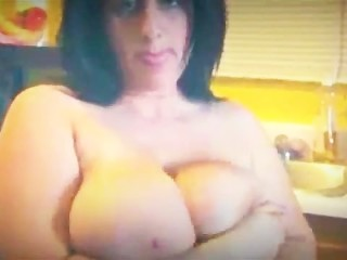 Huge Big Boobs BBW Beauty Loves to fuck her hot juicy pussy for you