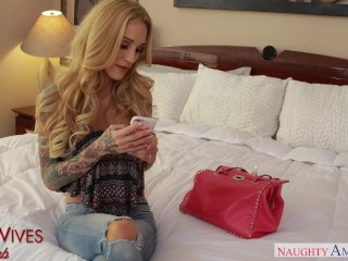 Preview 4 of Dirty wife Sarah Jessie is horny for big dick - Naughty America