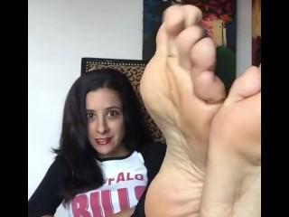 Pretty Jamie sexy feet