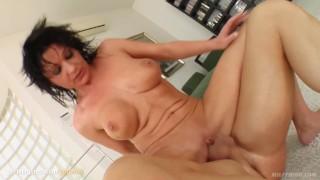 Scena porno gonzo milf matura