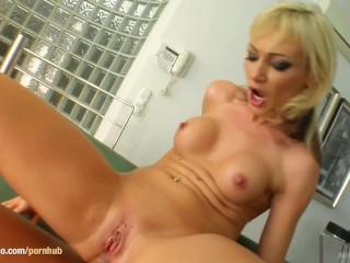 Lynda Leigh Videos Fucking, Betty Cane In mature milf gonzo porn scene from Milf Thing Hardcore Matu