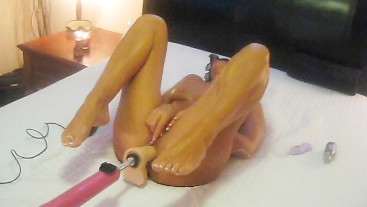 HOT TANNED WIFE FILMED FUCKING DILDO MACHINE