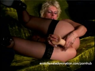 Steaming hot masturbation session with a ravishing blonde sex bomb