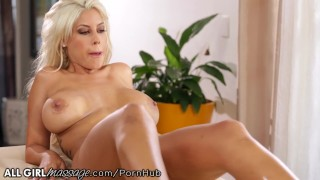 Blonde scissors lee voluptuous with morgan pussy boobs