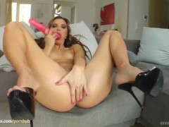 Solo hottie Suzie Carina masturbating on Give Me Pink with passion