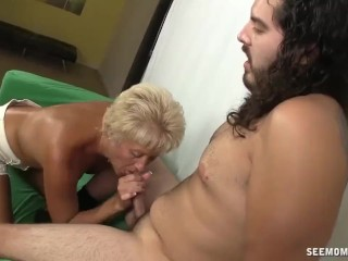 Mature photographer blowjob