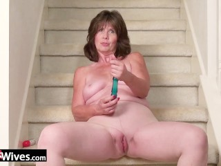 USAWives Horny wife on the stairs masturbate