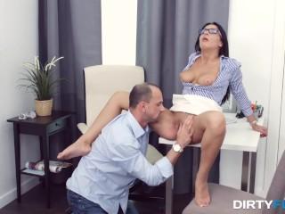 Dirty Flix - Nerdy chick anally prepared