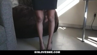 Preview 3 of Sislovesme - Sis Does Magic Trick With Her ASS