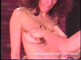 Horny slut thumbs amateur