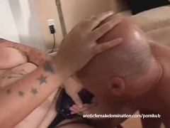 : Tattooed brunette fatty likes nailing her hung man's gaping butthole