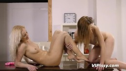 Teen girl persuades her girlfriend to indulge in her watersports fetish