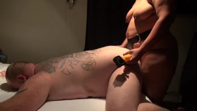 Porn Pix Bbw cougar with saggy tits uses big