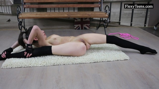 Nude male flexibles Flexible ariella shows incredible nude gymnastics
