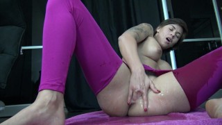 French Teen in Ripped Pants Squirt - Jeune Française en Legging Ejacule porno