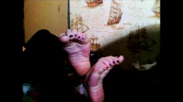 Wrinkling Soles & Pointing Toes! Bare soles Intense Soft wrinkles!
