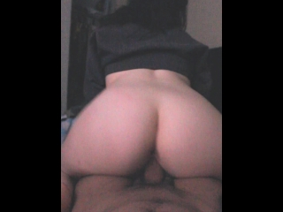 COLLEGE TEEN RIDING DICK BEFORE CLASS!!