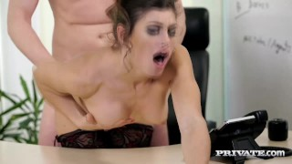 Has roca pounded her julia in hairy office the pussy euro julia