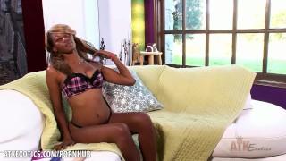 Ebony Desire loves to toy her snatch