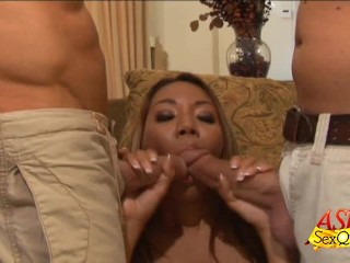 Keeani Lei Sandwiched In A 3some
