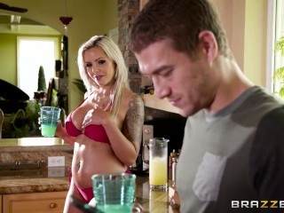 Nina Elle gets oiled up and ready - Brazzers