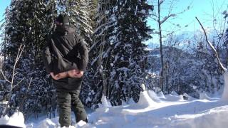 Teen Public Flash in Snowboard In Mountain - Flash A La Neige VicAlouqua