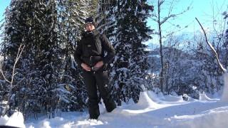 Teen Public Flash in Snowboard In Mountain - Flash A La Neige VicAlouqua Blonde trailer