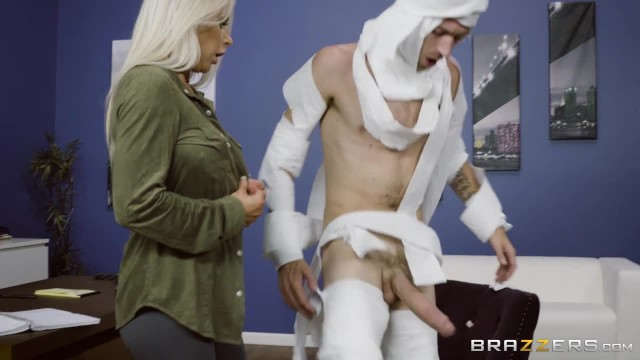 Adult costume parties Rachel roxxx has fun at the office costume party - brazzers