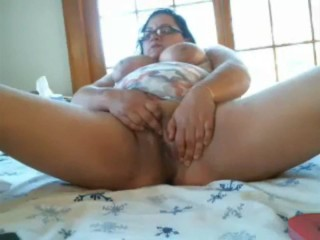 NEW JERSEY BBW SNIFFS FLATS CUMS AND TELLS U HOW STINKY SHE IS