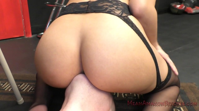 Mercedes Carrera Facesitting & Ass Worship Femdom