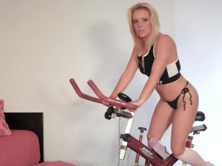 Milf Rebeka Is An Anal Spinning Slut
