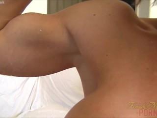 Female Bodybuilder Gets a Load of Cum on Her Biceps