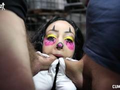 Cumbizz Dutch Teen Bukakke Facial Blowbang Killerclown Beat Down Halloween