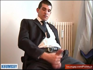 Marc, Handsome Delivery straight guy at your service !
