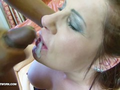 Watch cum dripping from the wife lips after fuck