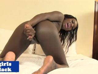 Black transsexual tugs her black dick