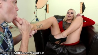 Alexis cum makes monroe footsiebabes him her on toes fuck boobs
