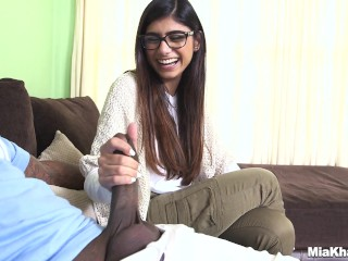 Busty Mom Son Mia Khalifa Tries A Big Black Dick mk13775