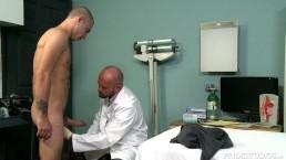 ExtraBigDicks - Gespierde dokter geeft intens examen
