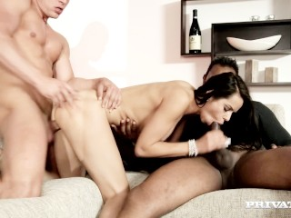 Soapy Massage Cum Ferrera Arrives Early And Gets Fucked By Two Men While She Waits,