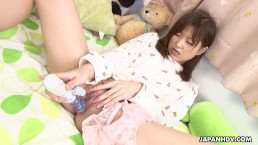 Adorable Asian babe toy fuckin