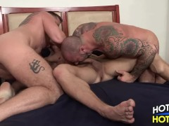 Three Way Fuck - Jock with 2 Daddies