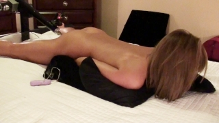 BRUNETTE AMATEUR HAS MULTIPLE ORGASMS FUCKING STRYKER FUCK MACHINE porno