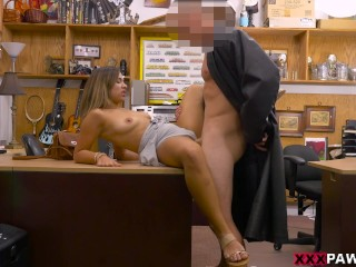 Desperate girl gets banged by The One on XXXPawn (xp15724)