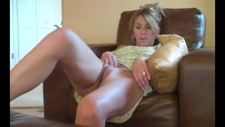 MILF Sydney Masturbating Well Milf busty