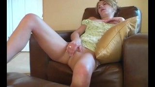 MILF Sydney Masturbating Well Style blonde